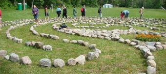 Meditācijas labirints atpūtas bāzē Valguma Pasaule